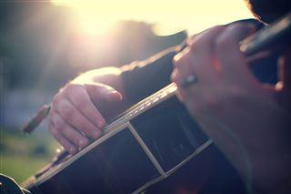South Bend council makes several changes to street performer ordinance  – 95.3 MNC News