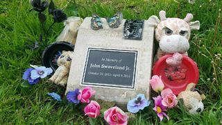 Memorial for murdered 2-year-old South Bend boy vandalized  – 95.3 MNC News