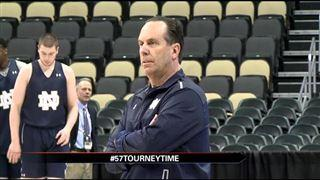 Mike Brey hires former Notre Dame standout Ryan Humphrey as assistant  – 95.3 MNC News
