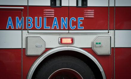 Boat slams into Lake Michigan break wall, killing 2 people  – 95.3 MNC News