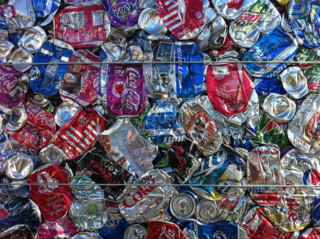 Man accused of trying to illegally return 10,000 cans  – 95.3 MNC News