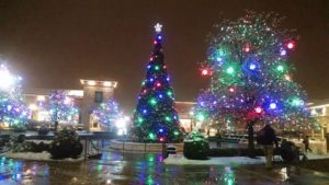 Cross returns to Knightstown Christmas tree but not on top  – 95.3 MNC News