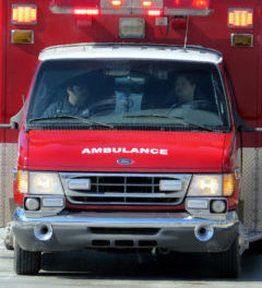 Elkhart man hospitalized with serious injuries after being struck by vehicle  – 95.3 MNC News